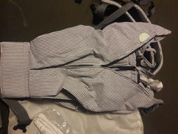 WEEGO Twin baby carrier, used twice w/bibs& storage bag! Loo